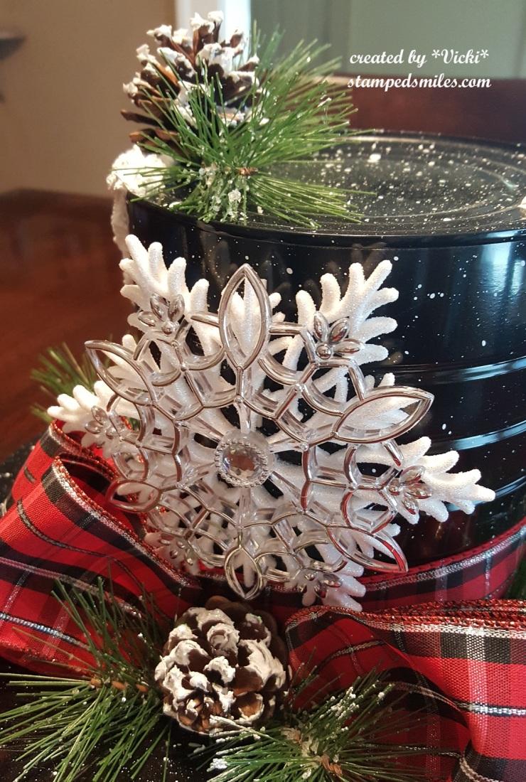 Vicki-Christmas centerpiece-snowman hat2